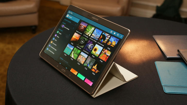 Samsung Galaxy Tab S 10.5 в чехле