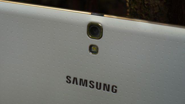 Задняя камера Galaxy Tab S 10.5