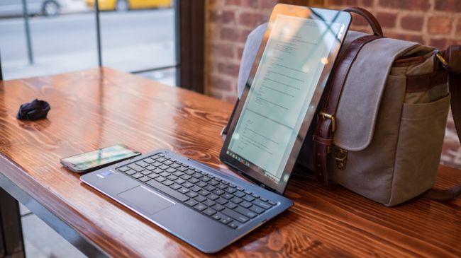 Лучшие планшеты 2 в 1 - ASUS Transformer Book T300 Chi