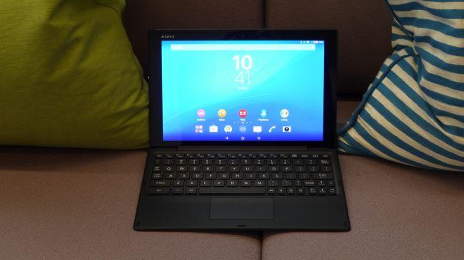 Sony Xperia Z4 Tablet с клавиатурой