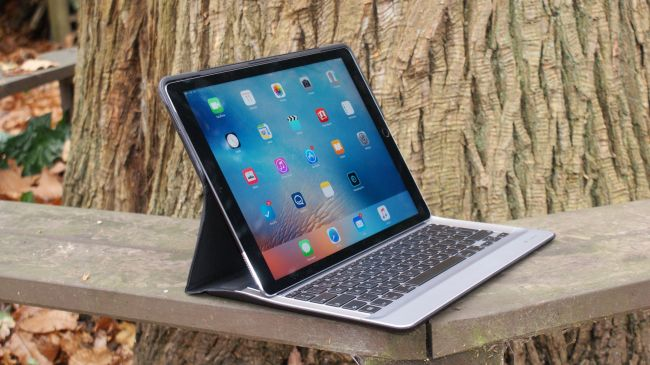 Клавиатура Logitech для iPad Pro