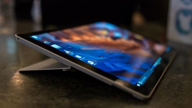 Гибридный планшет Microsoft Surface Pro 4