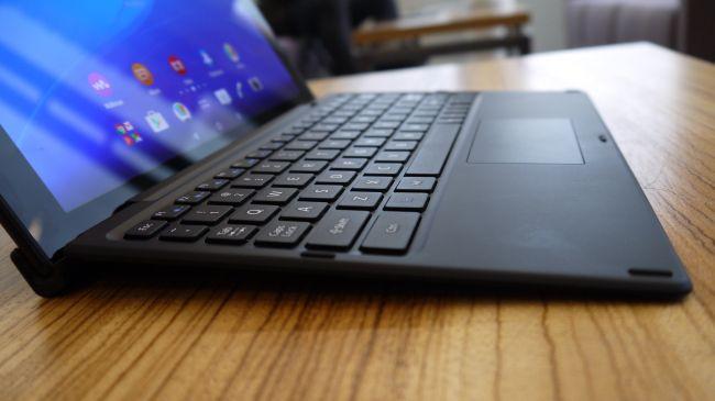 Клавиатура Sony Xperia Z4 Tablet