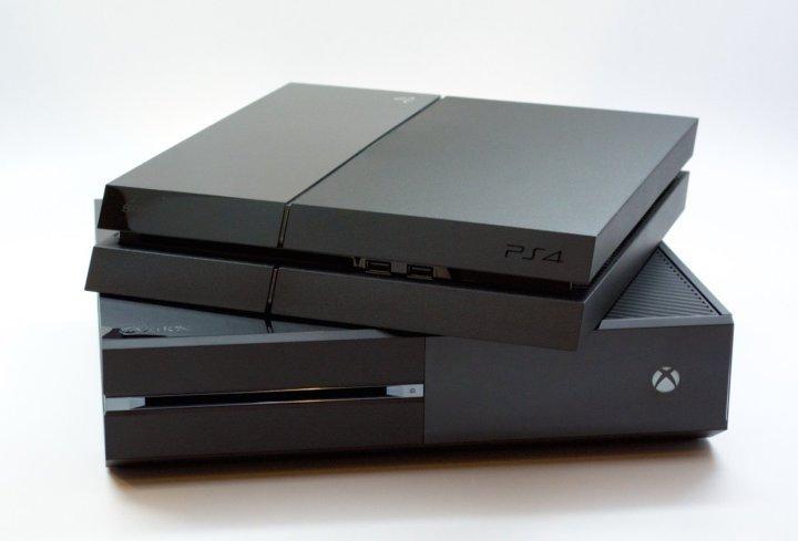 Консоли Xbox One и PS4