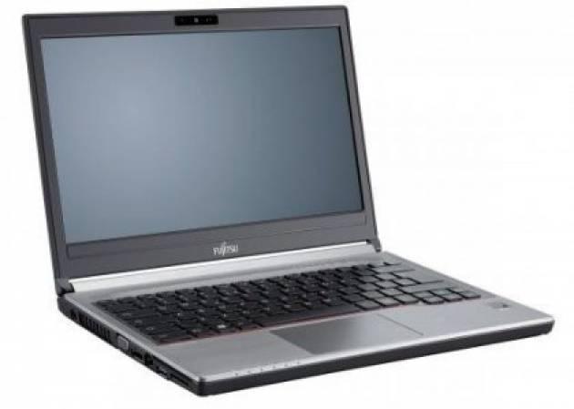 Лучшие ноутбуки для работы - Fujitsu LifeBook E736