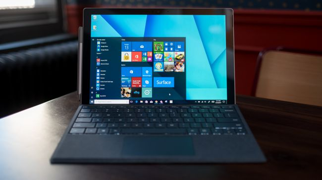Лучший ноутбук для учебы - Microsoft Surface Pro