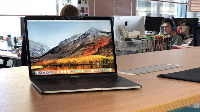 Ноутбук для работы - Apple Macbook Pro 13 (Touch Bar) 2018