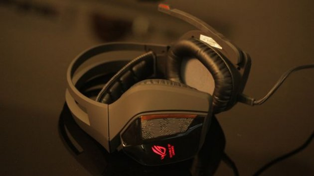 Игровая гарнитура Asus ROG Centurion 7.1