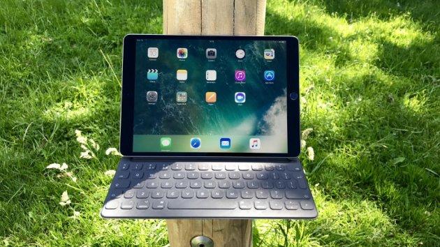 iPad Pro 10.5 против Surface Pro (2017) – Какой планшет выбрать