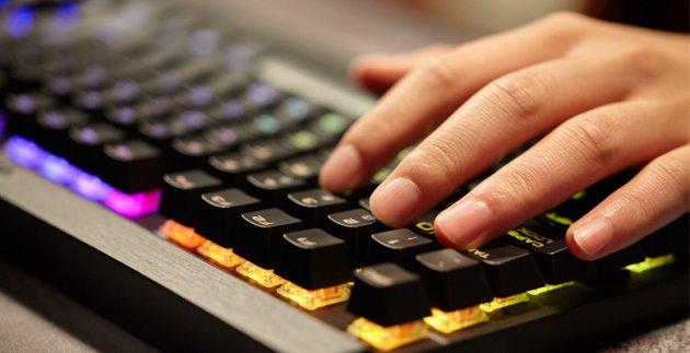 Лучшая игровая клавиатура - Corsair K65 Lux RGB