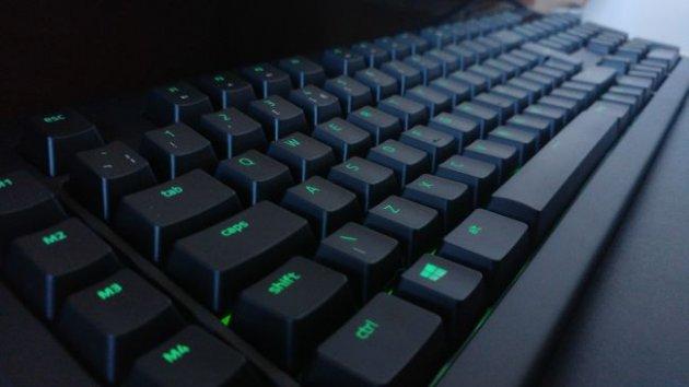 Лучшая игровая клавиатура - Razer BlackWidow Chroma V2
