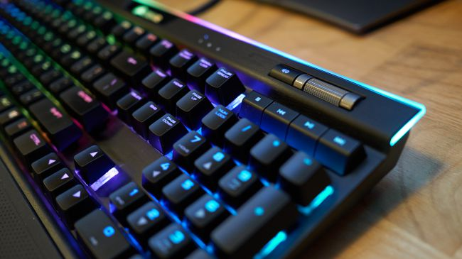 Клавиатура Corsair K95 RGB Platinum