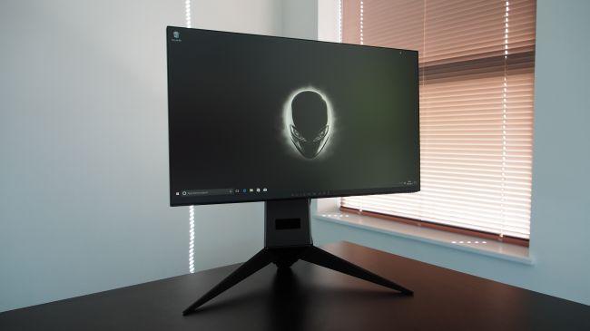 Лучший монитор - Alienware 25