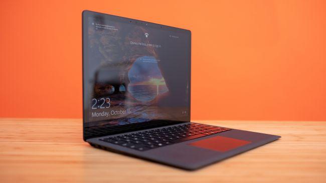 Лучший ультрабук - Surface Laptop 2