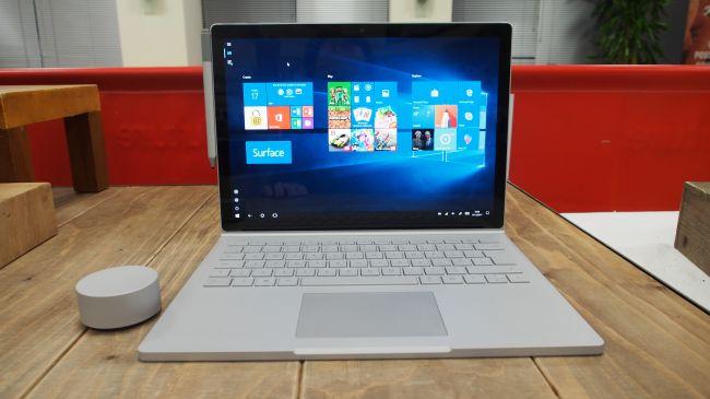 Лучший ноутбук 13 дюймов - Microsoft Surface Book 2