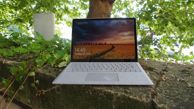 Лучший ноутбук 13 дюймов - Surface Laptop