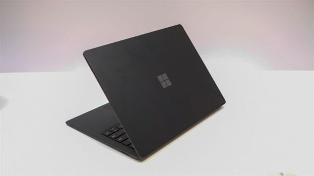 Обзор Microsoft Surface Laptop 2