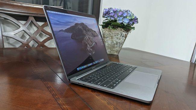 Apple MacBook Pro 13 (2020)