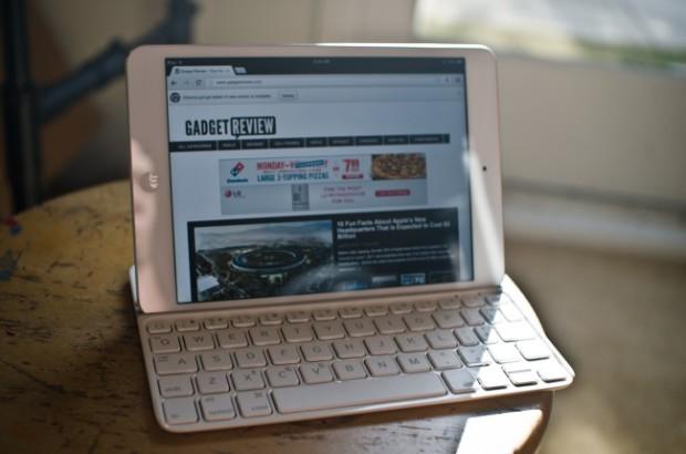 Ultrathin. Клавиатура Logitech для iPad Mini