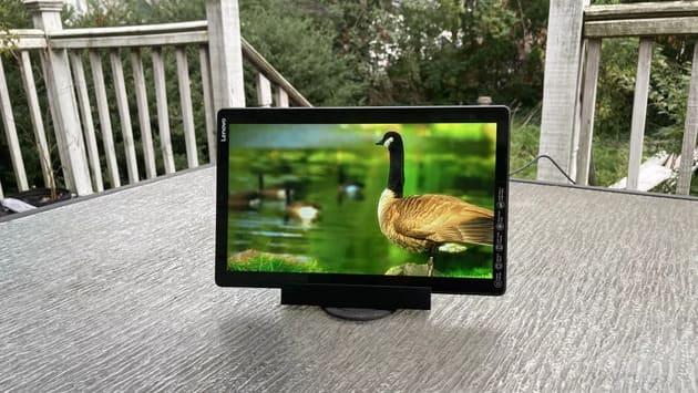 Лучшие бюджетные планшеты - Lenovo Smart Tab M10 Plus (2020)
