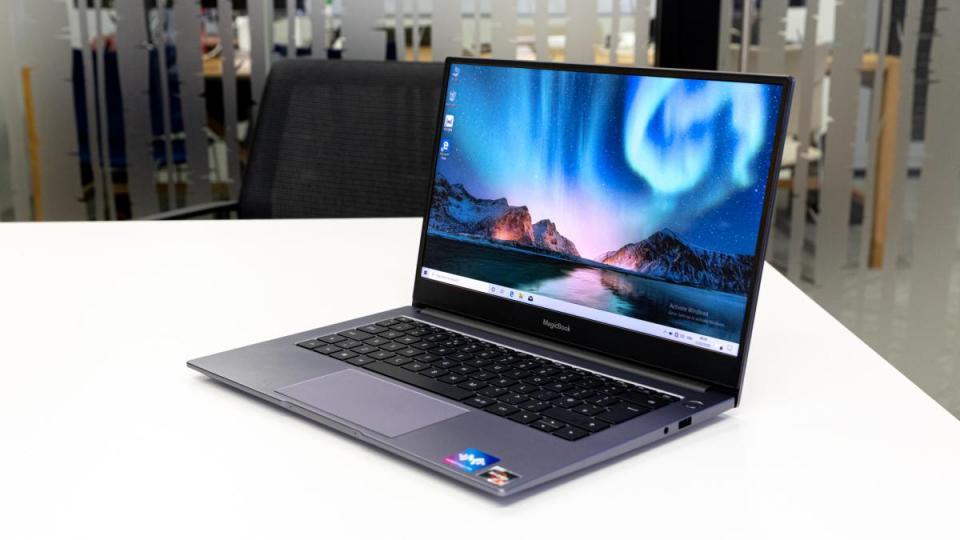 Лучший бюджетный ноутбук - Honor MagicBook 14