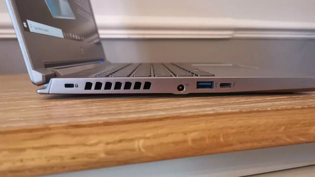 Порты Acer Predator Triton 300 SE