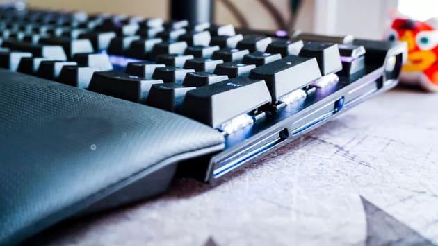 Игровая клавиатура Corsair K100 RGB
