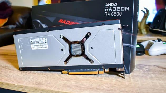 Обратная сторона AMD Radeon RX 6800