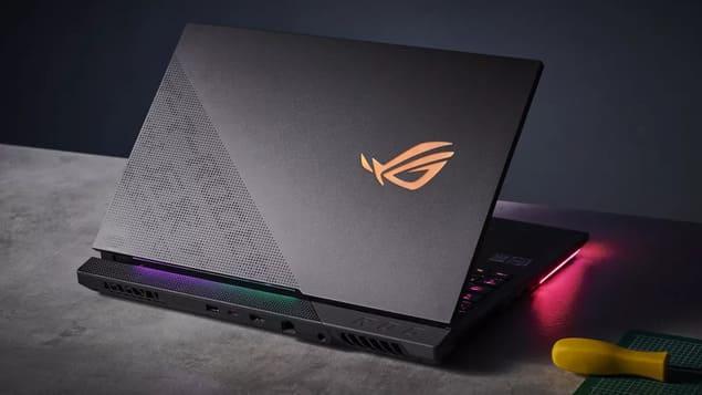17-дюймовый ноутбук Asus ROG Strix SCAR 17 G733