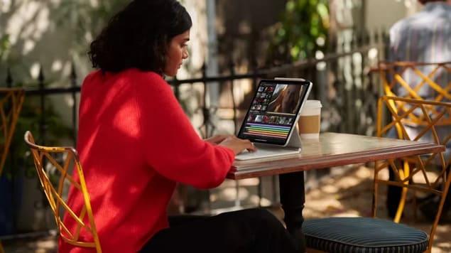 iPad Pro (2021) и Magic Keyboard