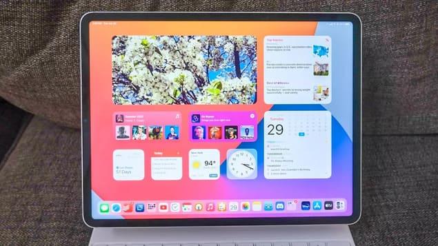 Планшет iPad Pro с Magic Keyboard