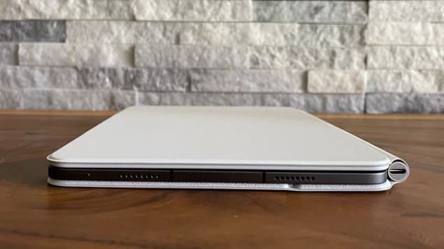 iPad Pro M1 (2021) и Magic Keyboard