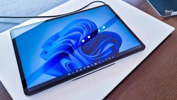Surface Laptop Studio в режиме планшета